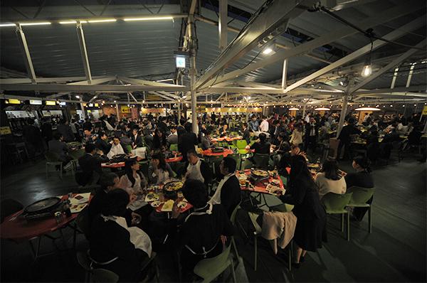 名古屋、愛知、岐阜、三重の婚活パーティー、街コン、COLOR PARTYビアガーデンコン会場夜